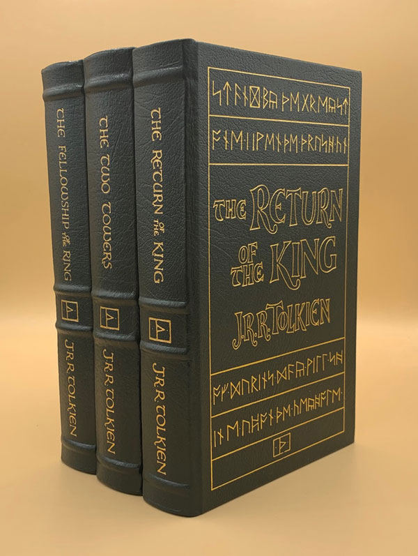 The Lord of the Rings Trilogy: The Fellowship of the Ring, The Two Towers, The Return of the King (3 Volumes). J. R. R. Tolkien.