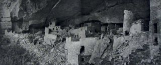 Ruiner af Klippboningar I Mesa Verde's Canons [The Cliff Dwellers of the Mesa Verde]. Gustaf...