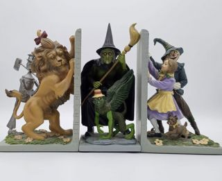 Oz Facsimile First Editions (11 Volumes) with two bookends and a figurine of the Wicked Witch